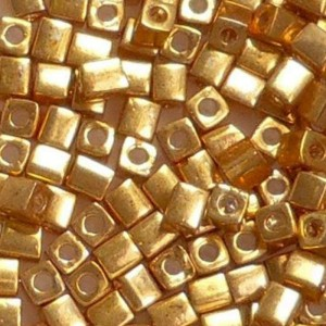 Preciosa cube Gold